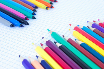 The felt pens and pencils placed diagonally
