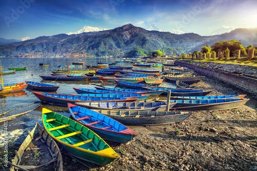 Fotobehang Nepal Boats in Pokhara lake