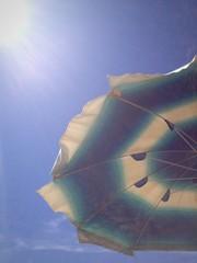 ombrellone visto dal basso