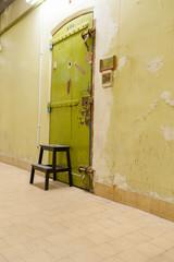 Porte de prison
