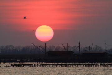 tramonto valli di comacchio delta del po