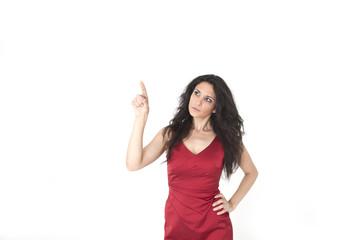 Junge Frau in rotem Kleid weisser Hintergrund