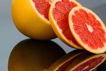 Spiegelung einer Orange
