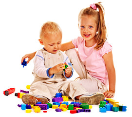 Children play building blocks.