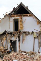 Hausabriss, detonation,