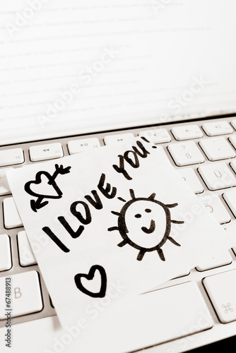Notiz auf Computer Tastatur: I love you