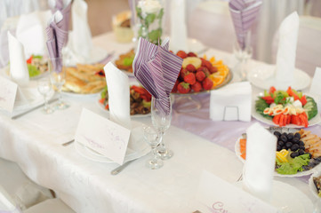 Violet Napkins in Glasses