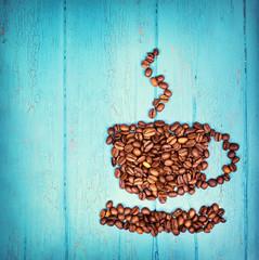 frische Kaffeebohnen als Kaffeetasse