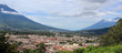 Leinwandbild Motiv Ciudad entre volcanes, Antigua Guatemala