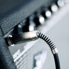 Connectors are connected in audio inputs Guitar amplifier