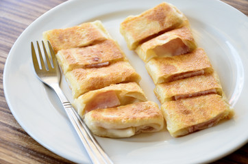 Roti in white dish, Dessert
