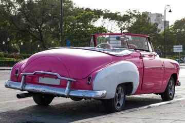 Kuba Oldtimer auf der Strasse