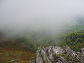Густой туман в горах