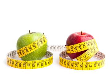 Manzanas en fondo blanco