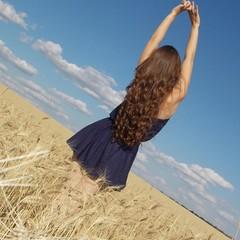 Девочка в пшенице