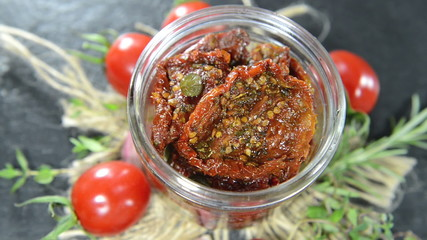 Dried Tomatoes as not loopable full HD video file