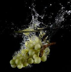 frutta fresca in acqua
