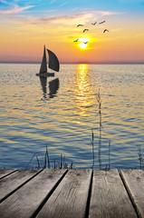 navegando hacia el sol naciente