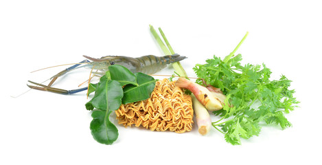 cook  noodles with vegetables and prawns