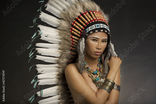 fototapeta na ścianę Native American Indian Stroik i farby do twarzy