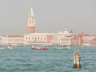 Venedig, Altstadt, Regatta, antike Boote, Frühling, Italien