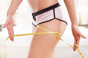 Oberschenkel messen - vor und nach der Diät