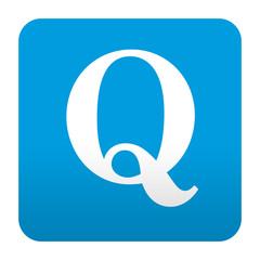 Etiqueta tipo app azul simbolo Q