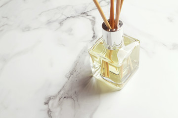 Aromatherapy reed diffuser air freshener horizontal