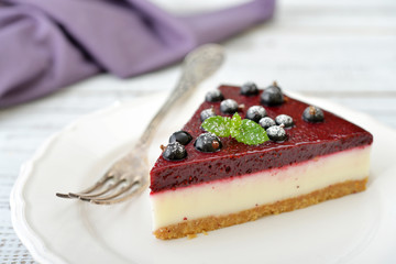 Black currant cheesecake