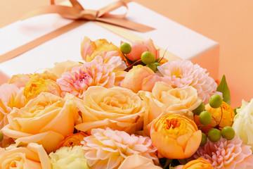 プレゼント、花のアレンジ