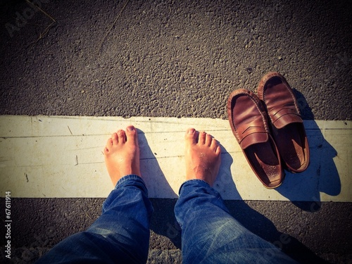 canvas print picture Barefoot on street