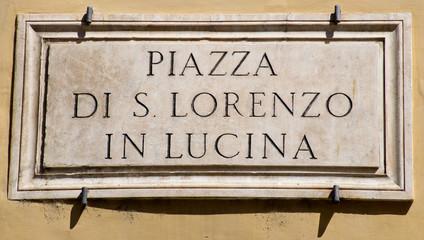Piazza di S. Lorenzo in Lucina