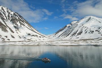 Tendern vor den Gletschern