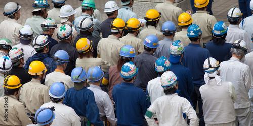 Arbeiter in der Fabrik - 67642976