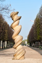 Column by Antony Cragg in Paris
