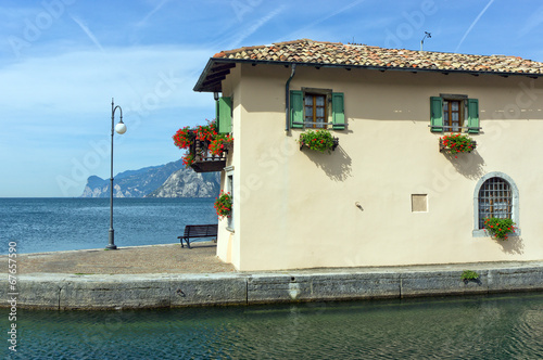 canvas print picture Haus am Gardasee
