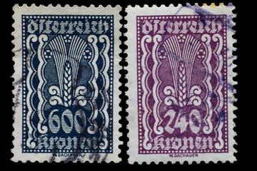 Zwei sehr alte Briefmarke aus Österreich