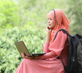 Muslim student used laptop for study something