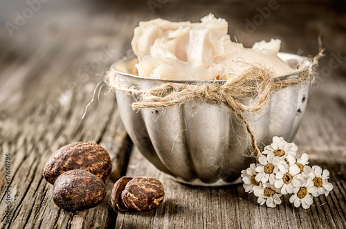 Shea butter and nuts - 67660796
