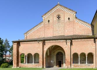 narthex and church facade, Abbadia Cerreto