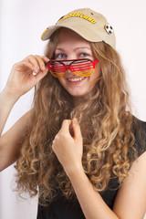 Junge_Frau_Fussball-Fan_Deutschland