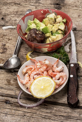 process of preparation of salad with prawns