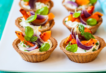 mini tarts with pumpkin