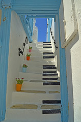 steps mykonos piano