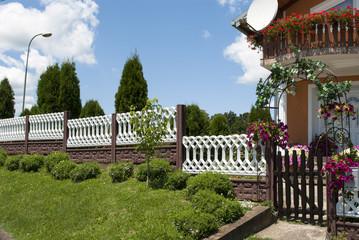 Beautiful Farm House & Garden