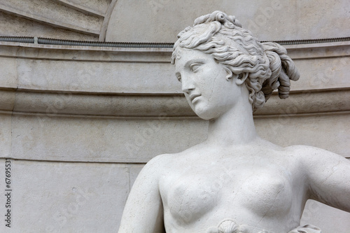 Zdjęcia na płótnie, fototapety, obrazy : Close-up of the Statue of Venus on the Lloyd Palace in Trieste