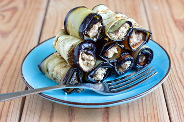 Eggplant rolls with walnut and garlic