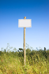 Blank sign indicating in the countryside