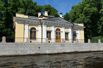 Coffee and tea houses in the Summer Garden, St. Petersburg