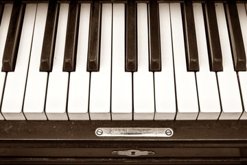 old piano keyboard